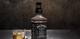 Jack Daniels black, czyli jak powstała najbardziej rozpoznawalna whisky na świecie?