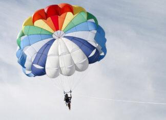 Jak zostać samodzielnym skoczkiem spadochronowym