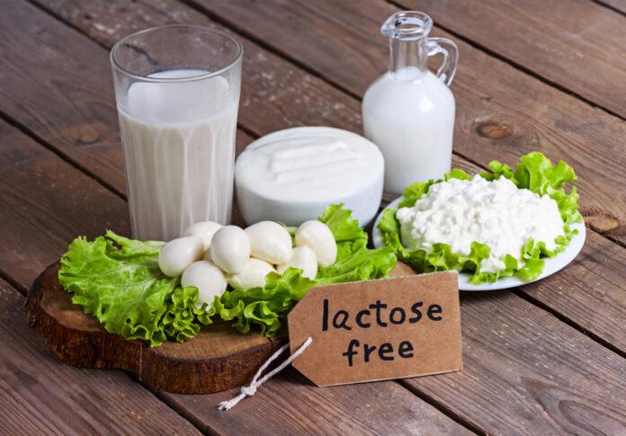 jak objawia się nietolerancja laktozy?