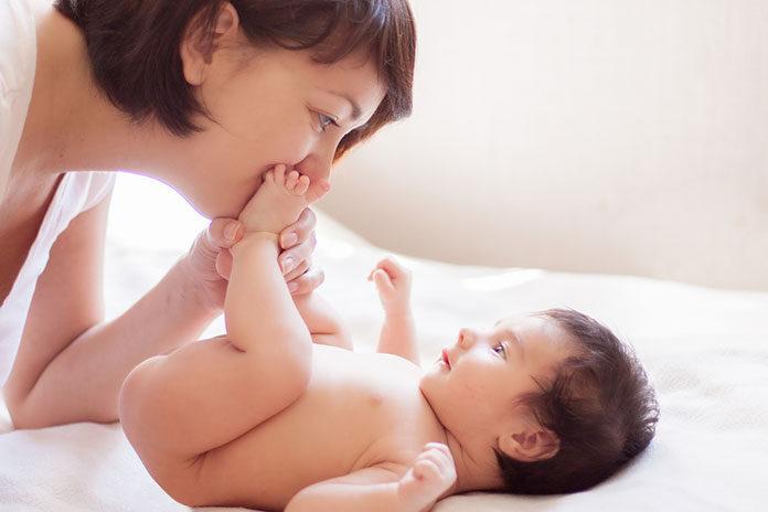 Witamina D dla niemowląt i noworodków – jak ją suplementować u najmłodszych